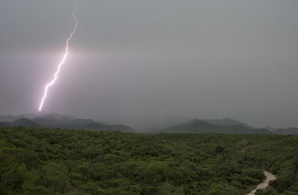 12_lightning.jpg