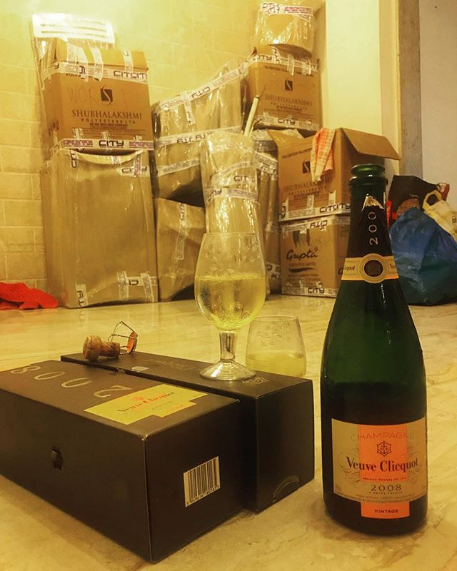 Shoddy boxes, cheap glassware, 2008 vintage champagne; the Danda way. We are busy moving out of our lovely apartment, en route to a sabbatical so we can learn more about food. BUT! Watch this space for our Danda's Greatest Hits 🕺 dinner in a week or so. Come to say hello, or goodbye, or just to eat some of your Danda favourites. We'll be back in a year but keep checking in to see what we are up to. Hope to see you guys there ❤️