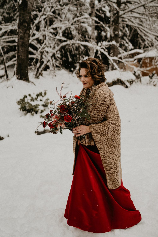 Mount-Rainier-Snow-Winter-Elopement-Adventure-Photographer2-12.jpg