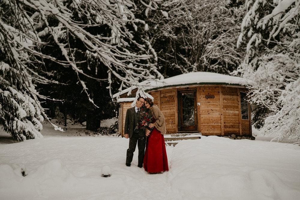 Mount-Rainier-Snow-Winter-Elopement-Adventure-Photographer2-24.jpg