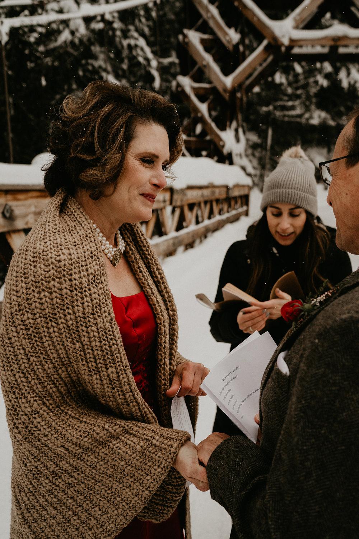 Mount-Rainier-Snow-Winter-Elopement-Adventure-Photographer2-44.jpg