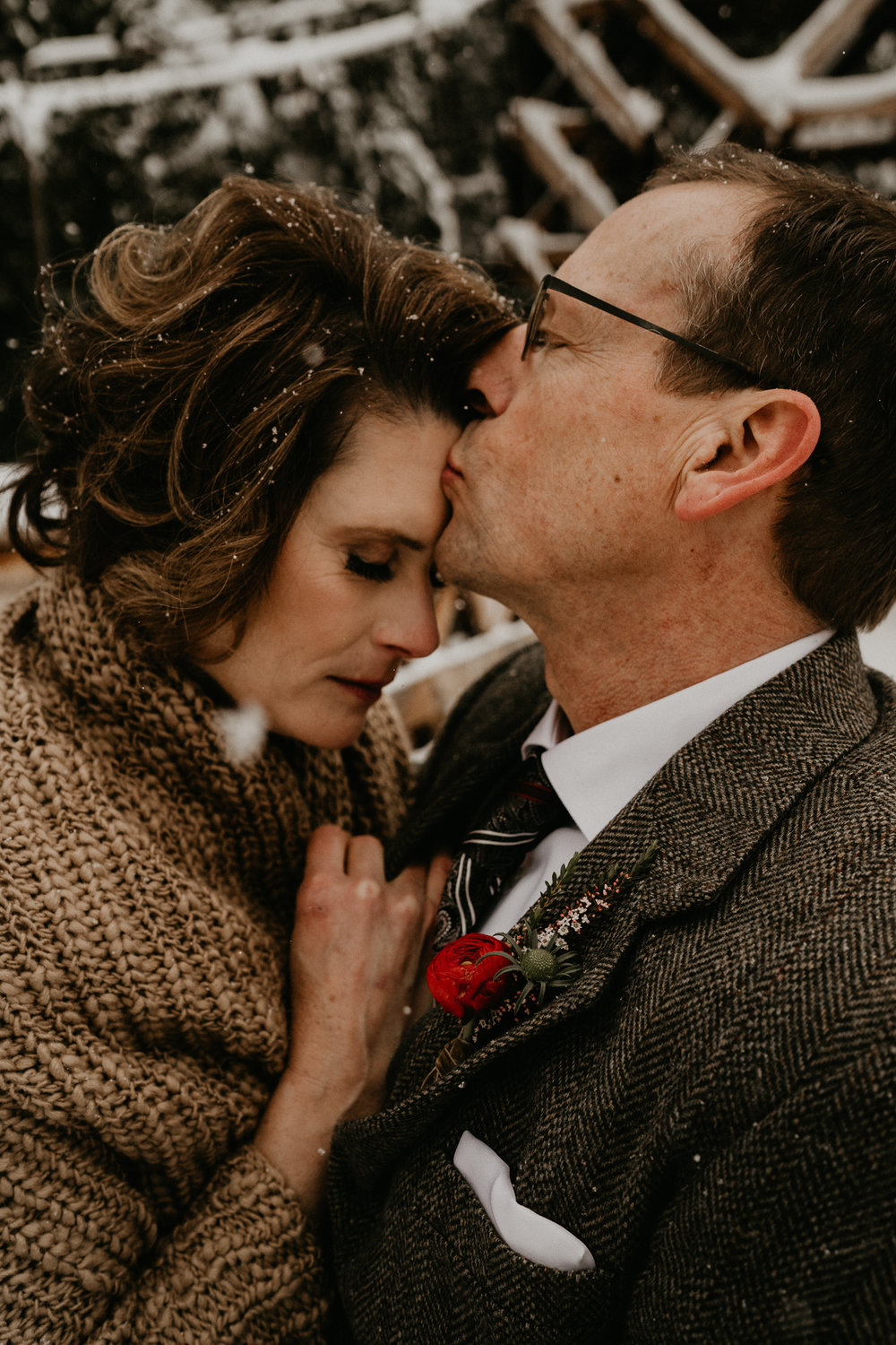 emotional cry tear romantic wedding elopement mt rainier