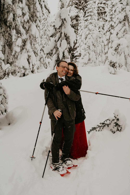 Mount-Rainier-Snow-Winter-Elopement-Adventure-Photographer2-57.jpg