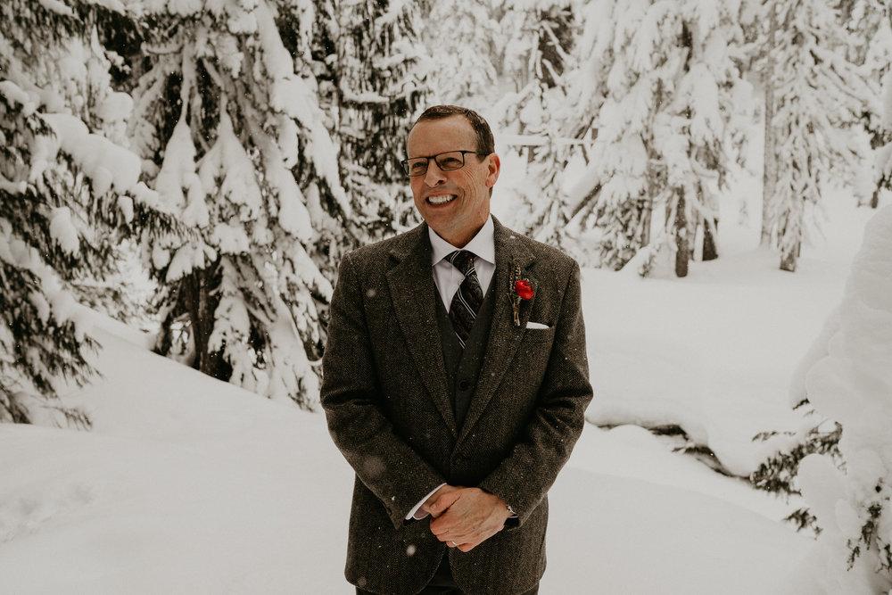 Mount-Rainier-Snow-Winter-Elopement-Adventure-Photographer2-64.jpg