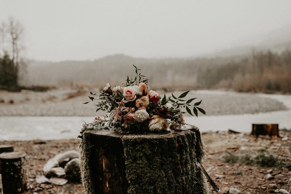 Mount-Rainier-Elopement-PNW-Intimate-Rain-Cabin-Seattle-Wedding-National-Park-Portland-Oregon-Pacific-Northwest-Outdoor-7.jpg
