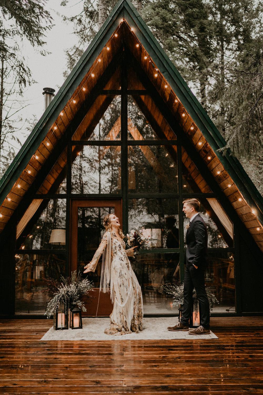 Mount-Rainier-Elopement-PNW-Intimate-Rain-Cabin-Seattle-Wedding-National-Park-Portland-Oregon-Pacific-Northwest-Outdoor-16.jpg