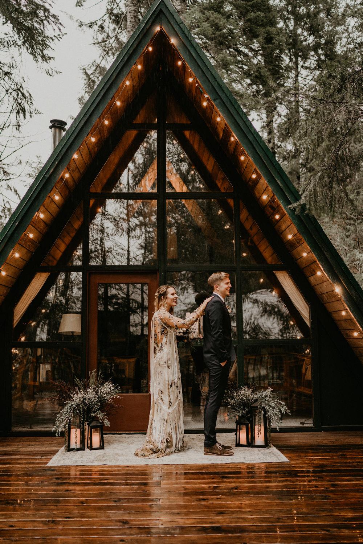 Mount-Rainier-Elopement-PNW-Intimate-Rain-Cabin-Seattle-Wedding-National-Park-Portland-Oregon-Pacific-Northwest-Outdoor-15.jpg