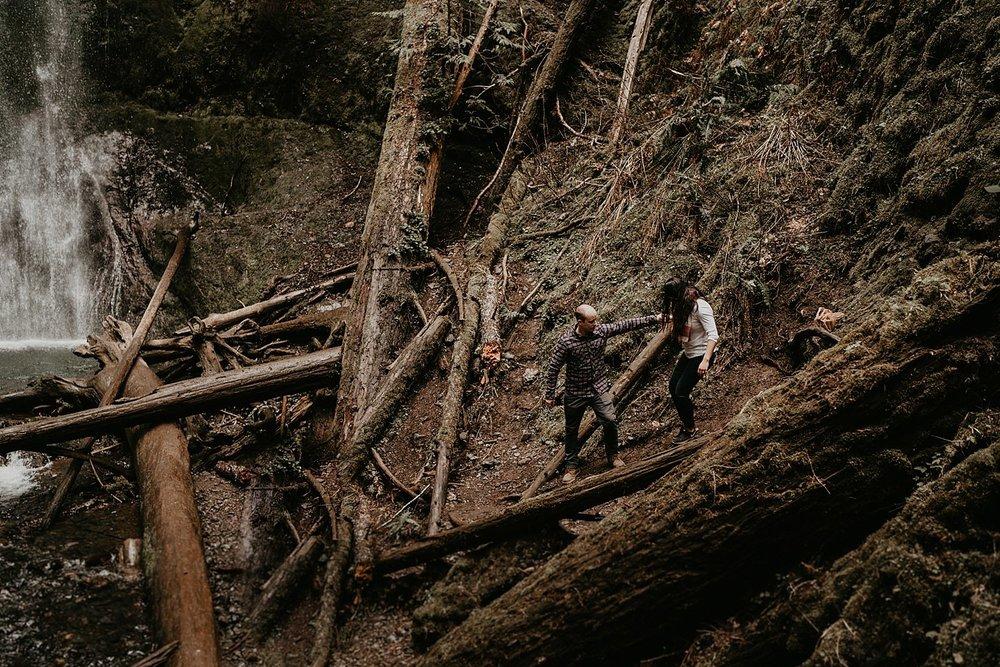 Lake-Crescent-Mount-Storm-King-Hiking-Adventure-Engagement-Seattle-Wedding-Photographer_0028.jpg