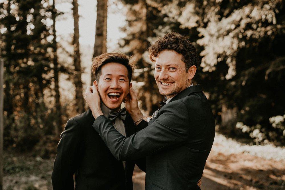 Gold-Creek-Pond-Elopement-Pacific-Northwest-Washington-Mountain-LGBT-Gay-Wedding_0013.jpg