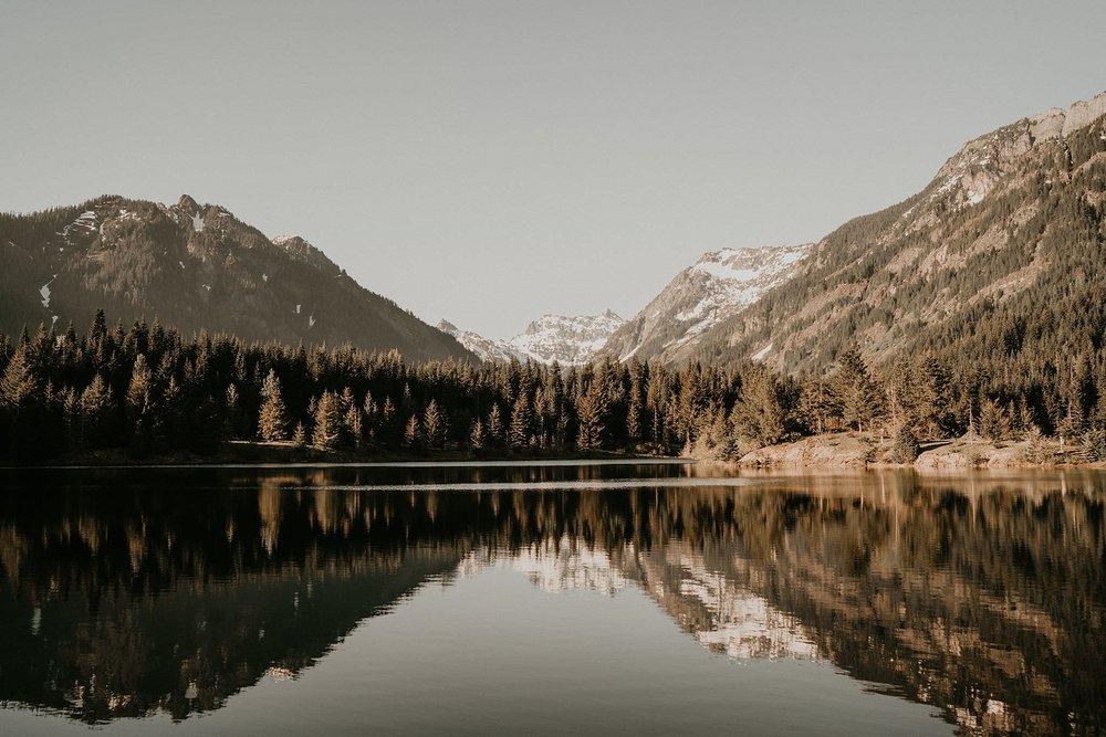 Gold Creek Pond - Snoqualmie Pass - Washington