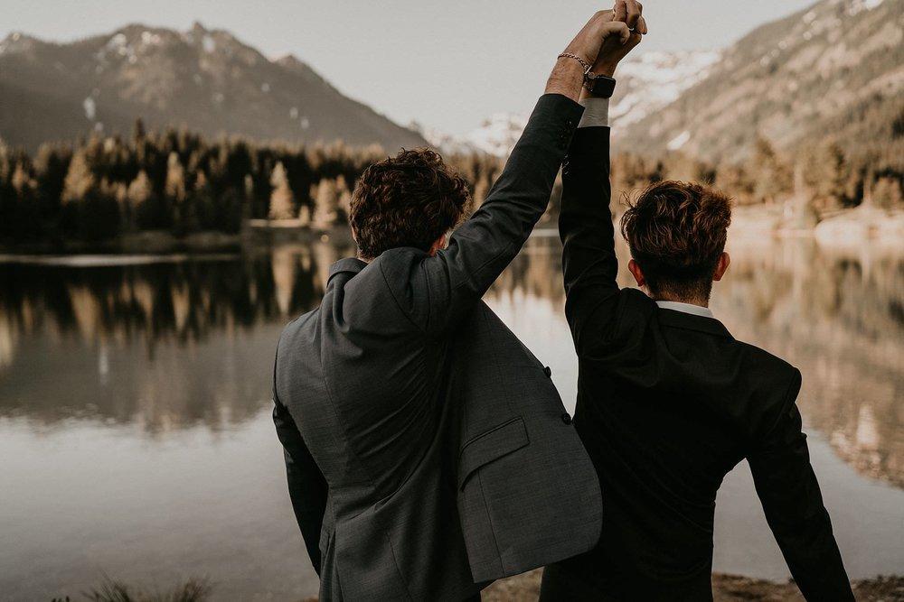 Gold-Creek-Pond-Elopement-Pacific-Northwest-Washington-Mountain-LGBT-Gay-Wedding_0025.jpg