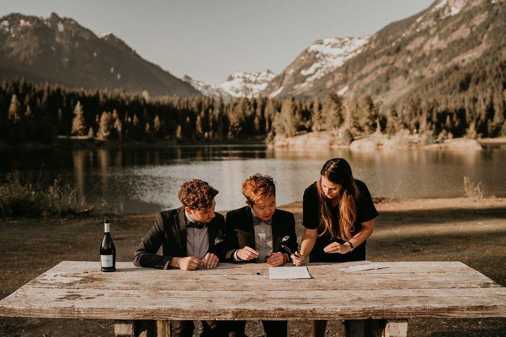 Gold-Creek-Pond-Elopement-Pacific-Northwest-Washington-Mountain-LGBT-Gay-Wedding_0030.jpg