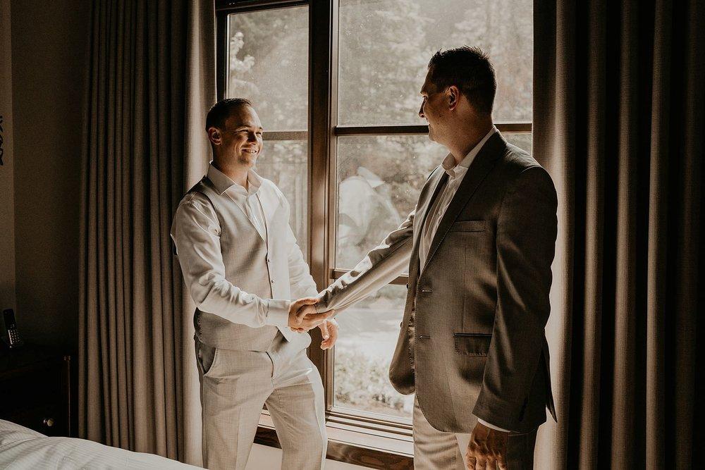 whistler-mountain-helicopter-elopement-wedding_0025.jpg