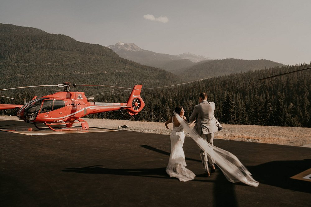 Alpine lakes and glacier views for elopement in whistler with Blackcomb Helicopters