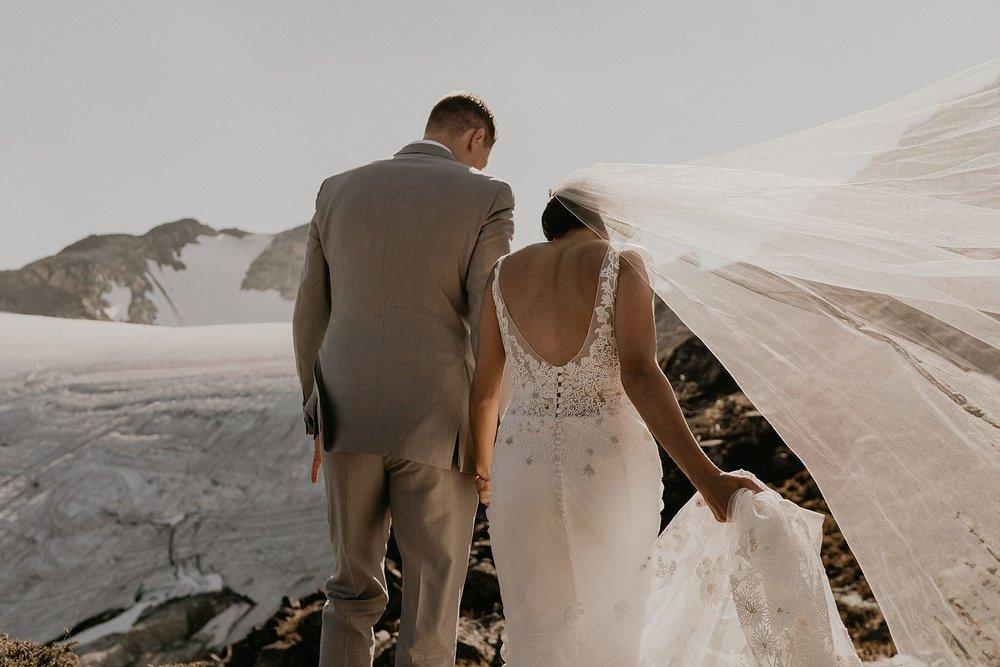 whistler-mountain-helicopter-elopement-wedding_0102.jpg