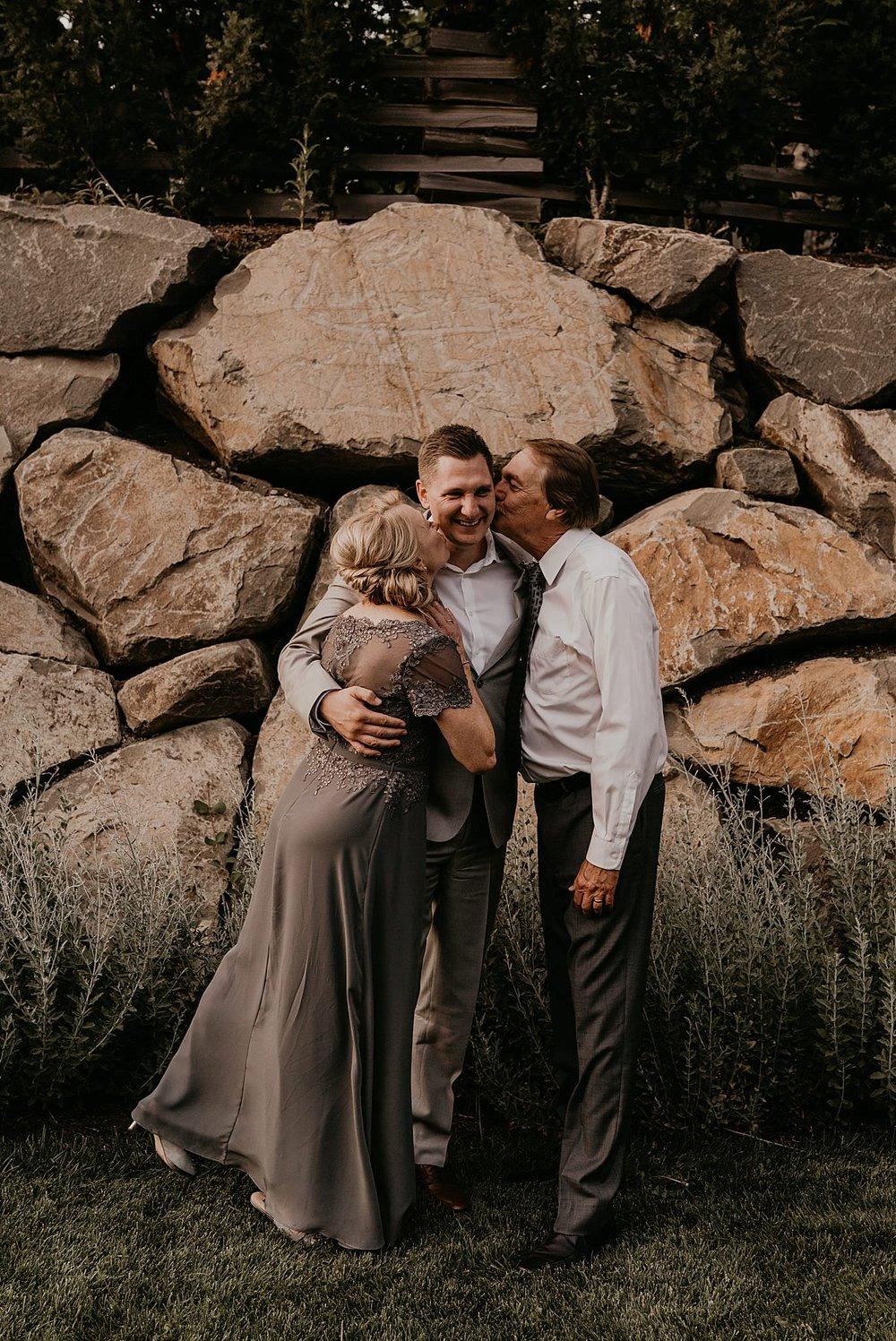 whistler-mountain-helicopter-elopement-wedding_0150.jpg