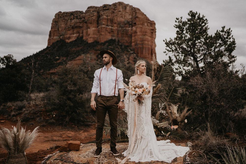Intimate elopement in the red rocks of Sedona Arizona