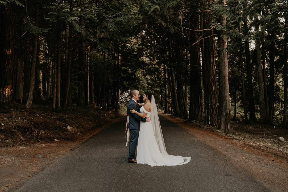 woodsy wedding and elopement Pacific Northwest on San Juan islands