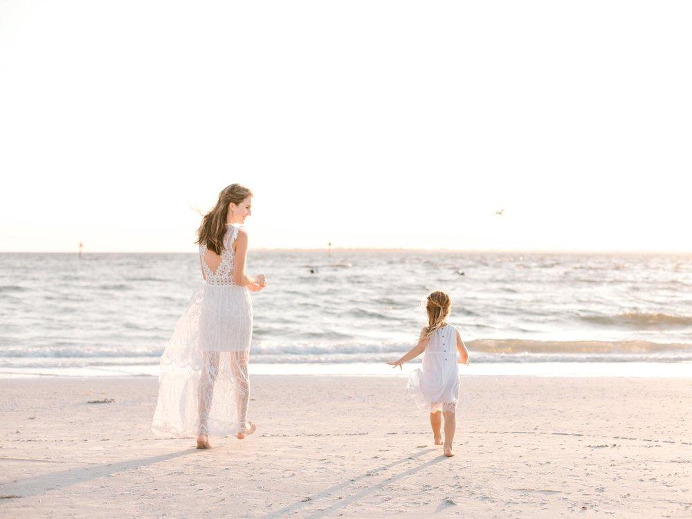 florida-marco-island-family-photographer-elegant-moments-by-stella-2.jpg