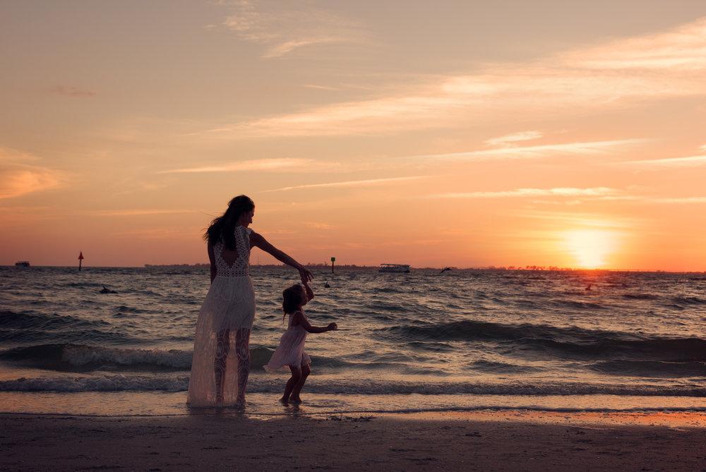 florida-naples-family-photographer-elegant-moments-by-stella-6.jpg