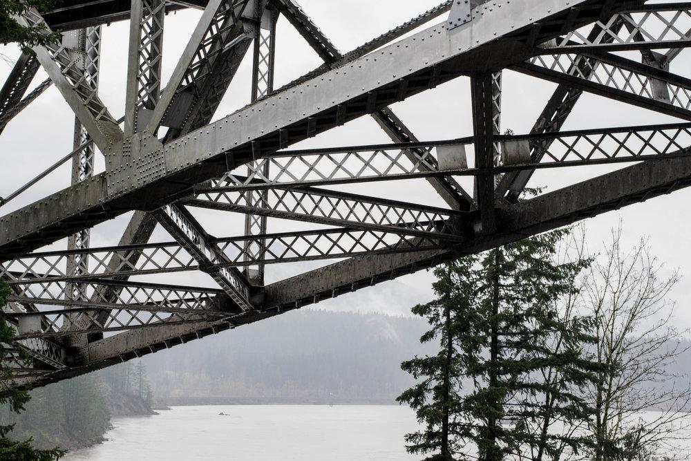 BridgeofGods-3.jpg