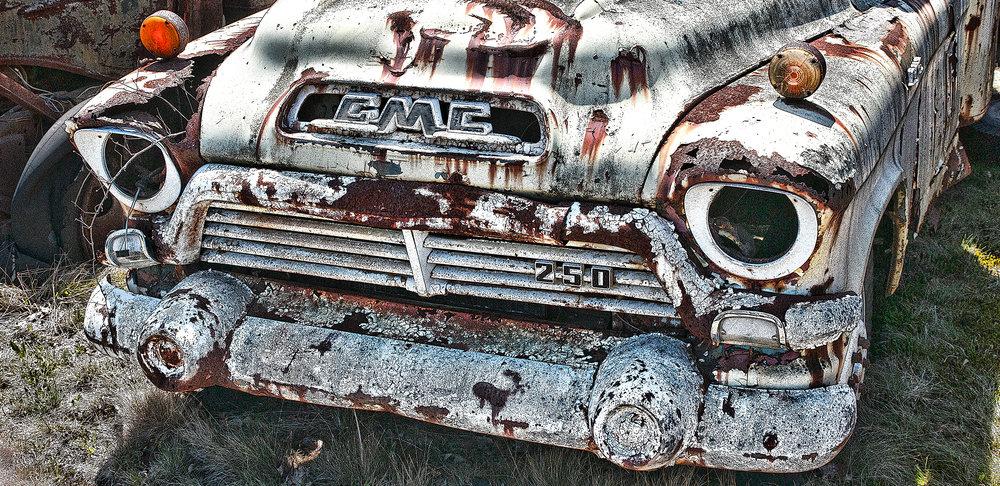 _DSC3368 Chevy White Truck 15.5 x 7.jpg