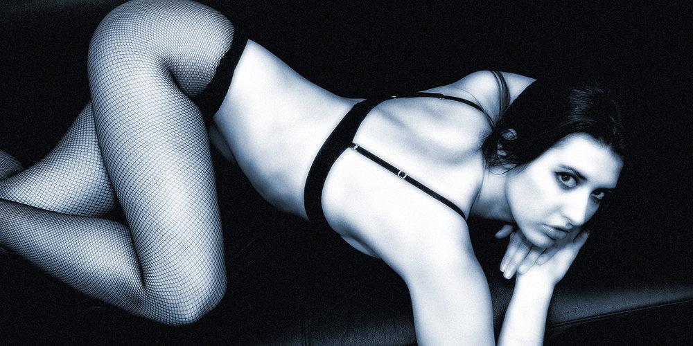 Christina no1  bw bluish online.jpg