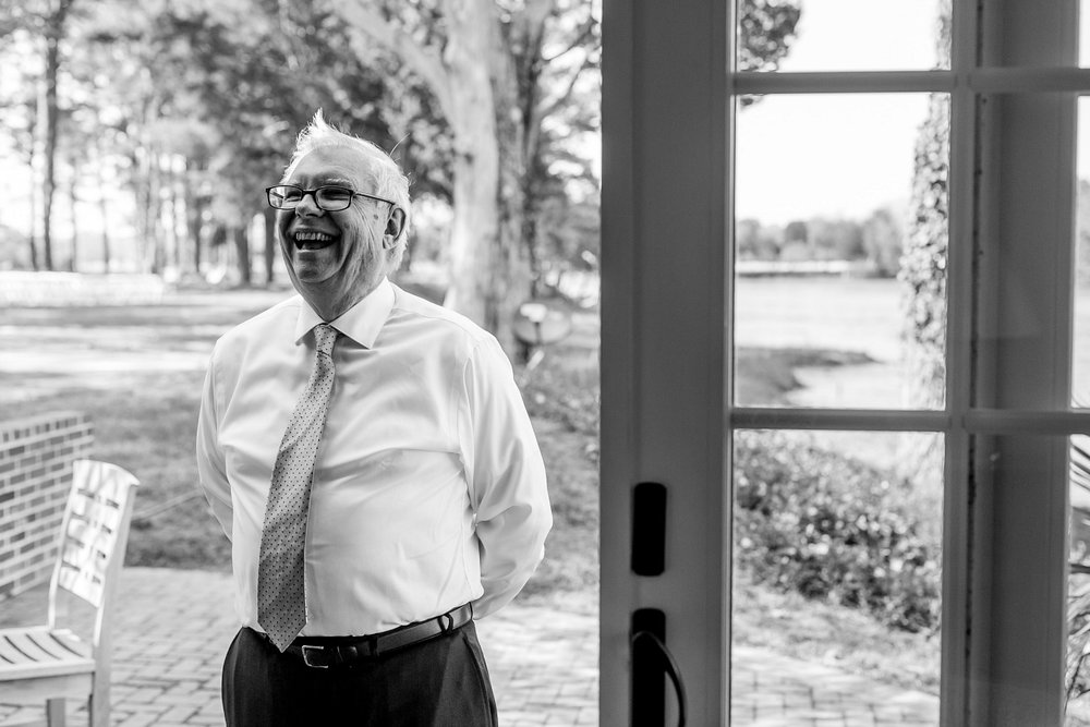 Why You Should Have a First Look with Your Dad on Your Wedding Day