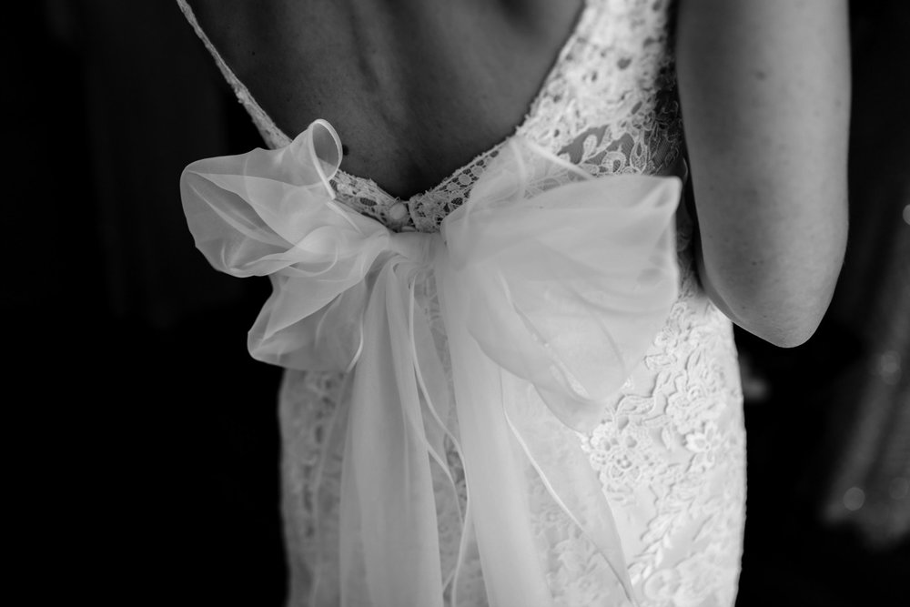 Classic Bride with Bow Wedding Dress
