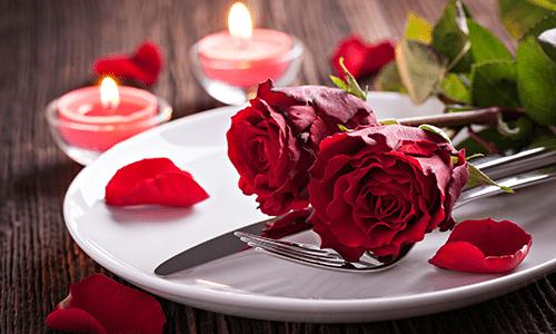 RomanticDinnerIdeas_LowCarbDinnerforTwo-min.png