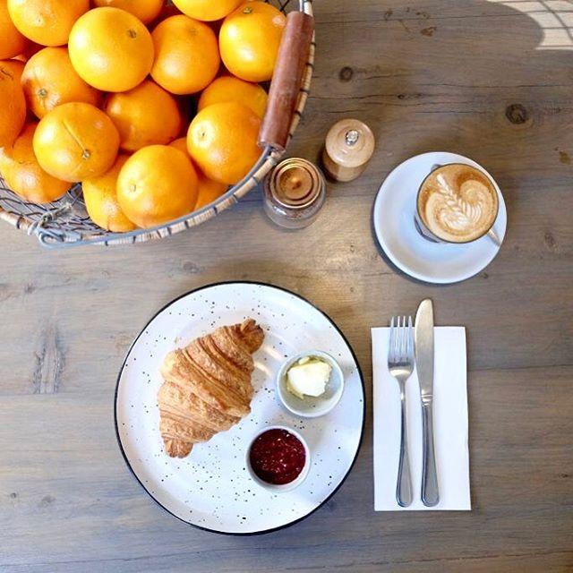 Citrus & Croissants ::