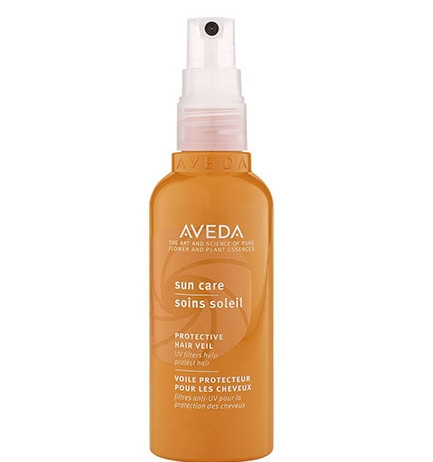 A lightweight, water-resistant UV defence mist that forms an invisible screen to help protect hair from sun exposure to minimise damage and dryness. For all hair types.$49.95 -