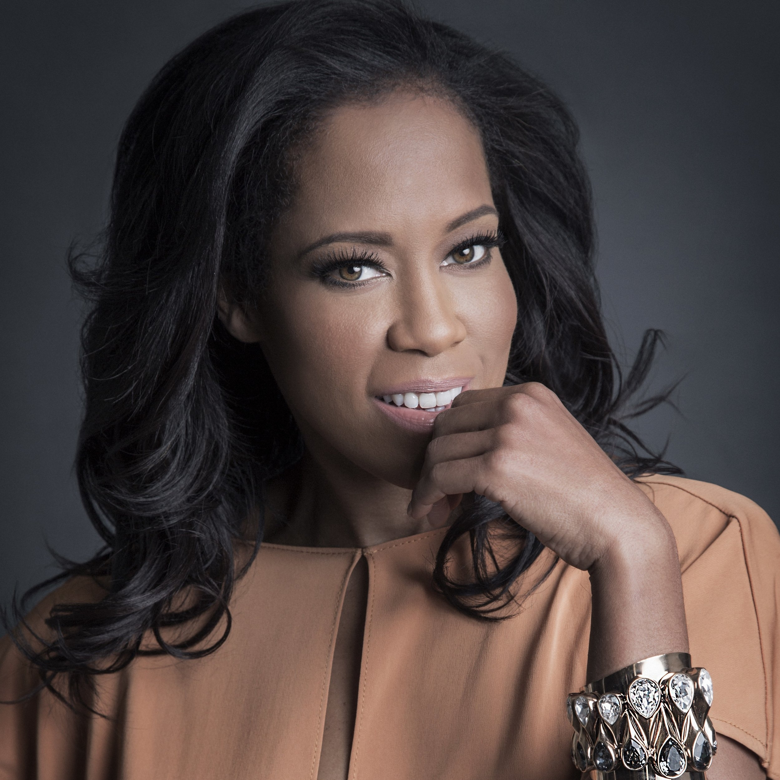ReginaKing_PH_DianaRagland+(003).jpg?format=2500w