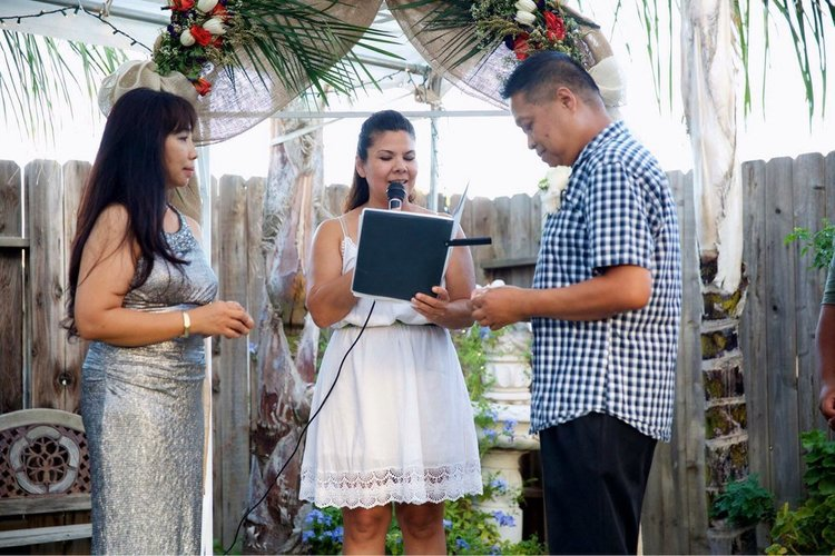 Wedding-Officiant-Chinese-Outdoors-California