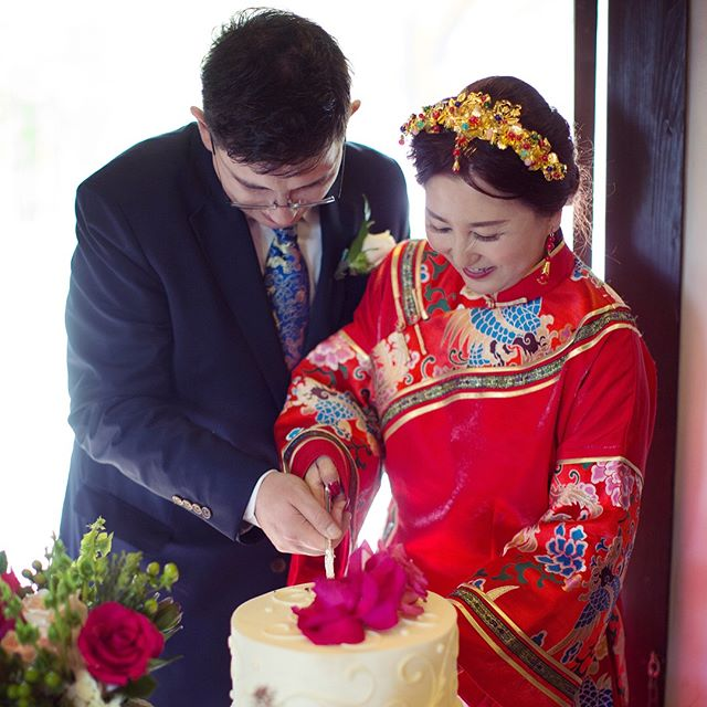 Beginning of the beautiful multicultural marriage💑 . . .  #chinesebridalmakeup #asianbeauty #realbride #2018bride #californiawedding #bridalportraits #weddingportraits #uniquewedding #dopeweddding #2018weddings #californiaweddingvenue #losangeleswedding #bayareawedding #luxurywedding #weddingdiy #exquisitewedding #ladymarryweddings #multiculturalweddings  #darlingmovement #weddingseason #theknot #loveintentionally #featuremeoncewed #loveauthentic #intimatewedding #smpweddings #shesaidyes #weddingchicks #weddingdesign #multiculturalweddingplanner