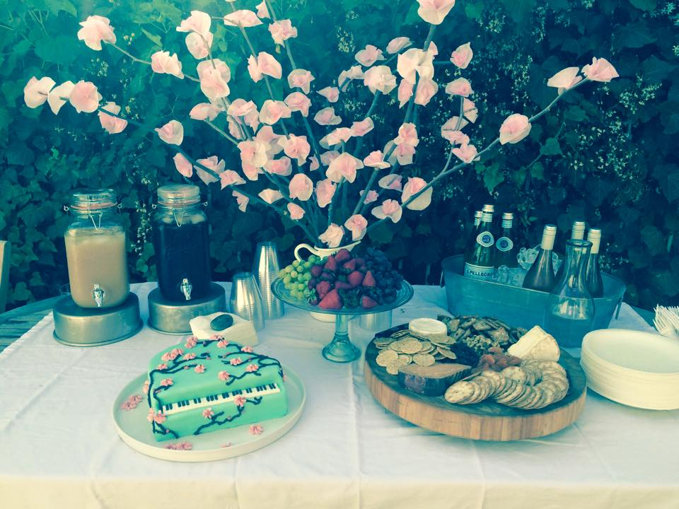 Gorgeous spread + epic cake by Ami Shukla (@sweetlifebyami) for her daughter's first recital.