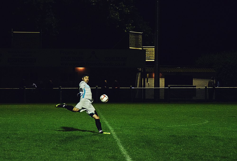 action-athlete-ball-918798.jpg