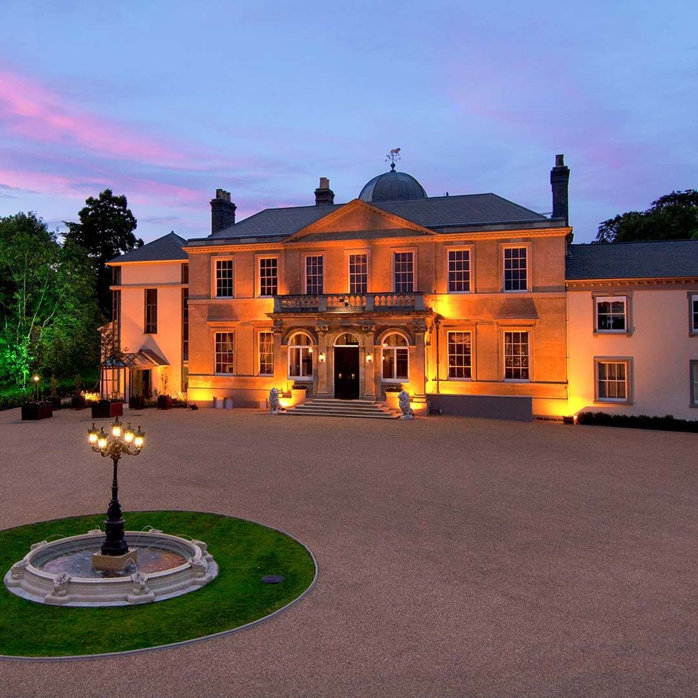 SPRING GROVE HOUSE - ______A BEAUTIFUL GEORGIAN MANOR HOUSE SET IN THE GROUNDS OF WEST MIDLAND SAFARI & LEISURE PARK, IN THE HEART OF THE ROLLING WORCESTERSHIRE COUNTRYSIDE.