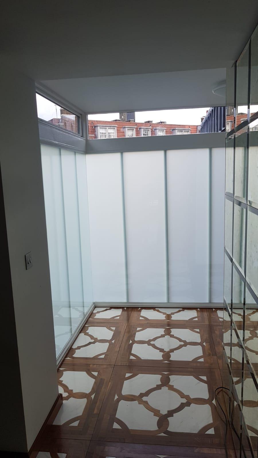 SWITCHABLE SMART GLASS1.JPG