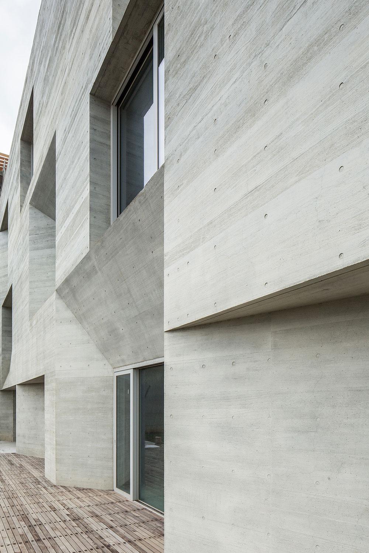 04-wohnhaus-ck-fassade-behet-bondzio-lin-architekten.jpg