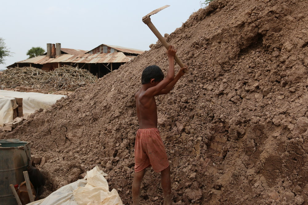 Image: Child labourer on a Cambodian brick-making factory ©LICADHO (2016)