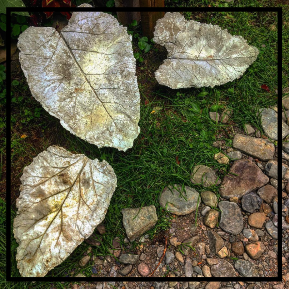 Handcrafted_Concrete_Leaf_Garden_ornament_2.jpg