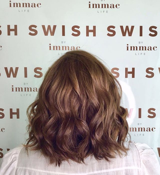 Long, medium or short hair - Our blow outs are one flat rate, keeping it simple and swish!. • • • #abudhabiswish #swishbyimmaclife #abudhabistudio #blowoutstudio #blowouts #makeup #hairenvy #curlsforthegurls #weekendvibes