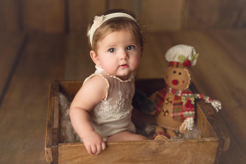 Ei sunt subiectul - Recuzita și ținutele au fost gândite pentru a pune în evidență portretul bebelușului tău și personalitatea lui. Hai să vezi ce pachete am pregătit pentru voi!
