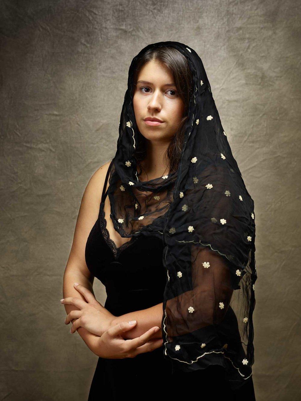 Akhésa, robe noire
