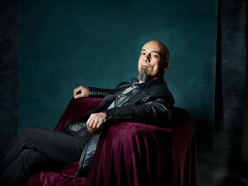 Portrait d'homme au fauteuil