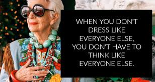 """Iris Apfel: """"quando você não se veste como todo mundo, não precisa pensar como todo mundo"""""""