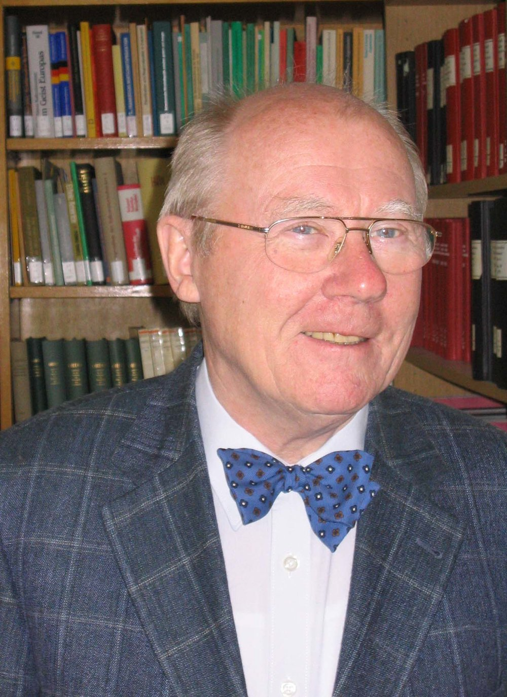 Prof. Dr. Alfred Schueller