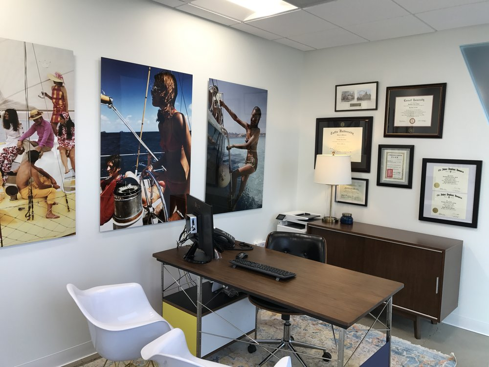 artists - Dr. Zelken features the work of celebrated local artists. Many of the pieces are for sale. He also celebrates the work of Slim Aarons, whose work is featured throughout the space.