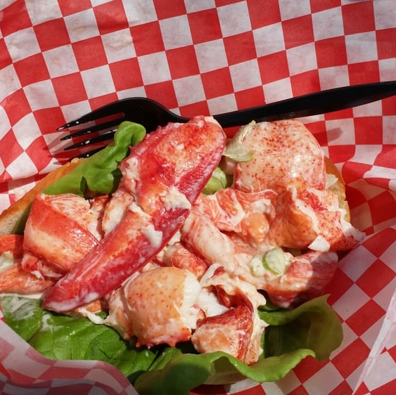 Maineiac Lobster Co. - Lobster Rolls & Seafood